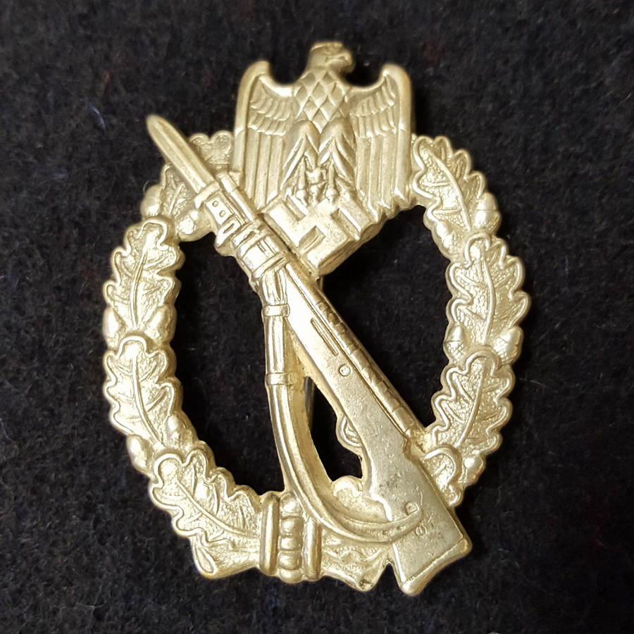 Infantry Assault Badge in Silver Hollow Back, Museum Quality Reproduction