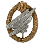 Army Paratrooper Badge with Aluminum Eagle - Museum Quality Reproduction